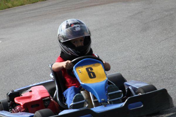 karting-enfants-millau78F6B2F3-027D-457E-F7C0-CE6FE7333724.jpg